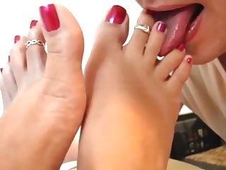 Sexy Foot Service