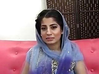Paki-indian Muslim Gal Fucked With Ten Inches Black Weenie